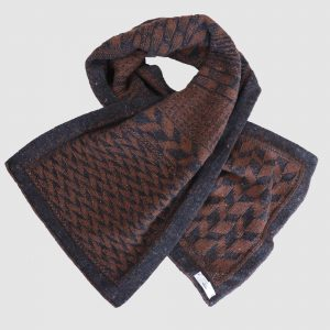Claiochai Scarf Brown Twisted
